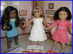 AG Sonali, Gwen, Chrissa American Girl Lot 2009 Complete Meet Outfits, Books XCLT
