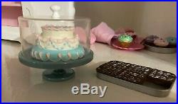 AMERICAN GIRL DOLL SWEET TREATS BAKERY CASE+2 Outfits +Accessories+FOOD Retired