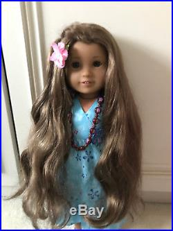 AMERICAN GIRL Girl of Year 2011 KANANI DOLL WITH EXTRA OUTFIT & NECKLACE