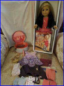 American Girl 2014 Isabelle 18 Doll With Ballet outfit & Dance Case, VGUC