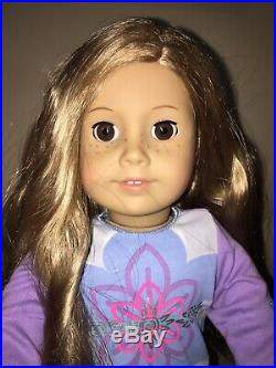 American Girl DollJust like meLong Blond Hair/ Brown Eyes/Freckles with outfit