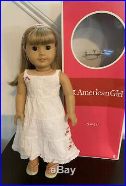 American Girl Doll Gwen Thompson Friend Of 2009 GOTY Chrissa Meet Outfit & Box