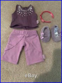 American Girl Doll Isabelle (2014) With Some Acc. (books, Outfits, Jewelry)