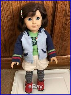 American Girl Doll LINDSEY BERGMAN in Meet Outfit with 1 Book