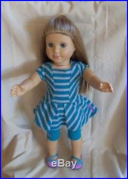 American Girl Doll MCKENNA Brooks Doll with complet meet outfit