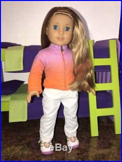 American Girl Doll McKenna+Dog Cooper, Bunk Bed, Chair, 4 Outfits LOT