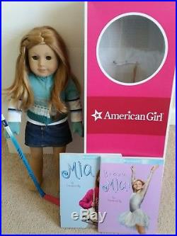American Girl Doll Mia' 2008 Girl Of The Year Skater Outfit 2 Books Green Eyes
