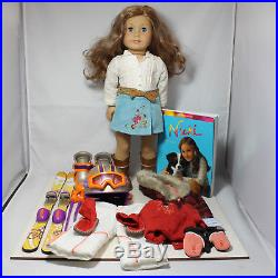 American Girl Doll, Nicki Fleming GOTY 2007 with Two Outfits, Ski Gear and Book, w