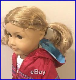 American Girl Doll Of Today JLY 21 Curly Hair Hazel Eyes Outfit Box DISPLAYED
