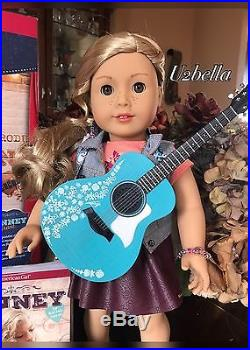 American Girl Doll Tenney Grant& Accessories Guitar & Spotlight Outfit Tenny NEW