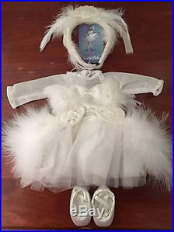 American Girl Doll of the Year Isabelle, Barre, Performance Outfit, Dance Case+++