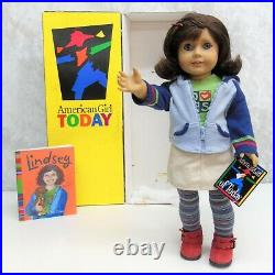 American Girl GOTY #1 DOLL LINDSEY In Meet Outfit + Red Barrette Wrist Tag BOX