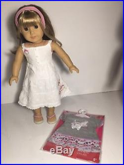 American Girl Gwen Doll Extra New Outfit & Doll Carrier Lot Very Nice