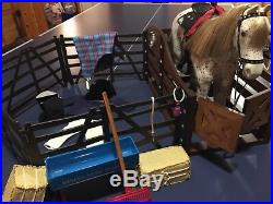 American Girl Horse, Stable & Supplies, and Riding Outfit Excellent/Complete