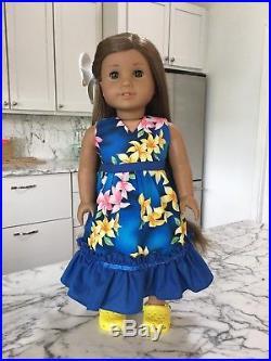 American Girl Kanani GOTY 2011 Doll, Hawaiian outfit, hair clip, shoes, book