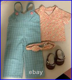 American Girl Kits Special Edition Chicken Feeding Keeping Outfit! No Plush EUC