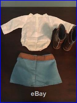 American Girl Nicki in Meet Outfit
