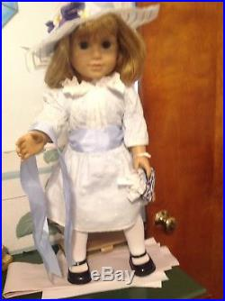 American Girl Pleasant Company 18 DOLL NELLIE in MEET OUTFIT with Hat and Bag