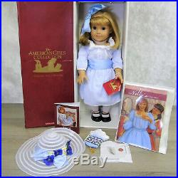 American Girl Pleasant Company DOLL NELLIE in MEET OUTFIT + ACCESSORIES Necklace