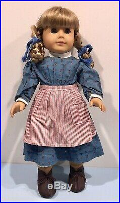 American Girl Pleasant Company Kirsten Doll in Meet Outfit