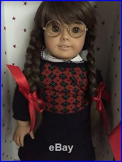 American Girl Pleasant Company WHITE Body MOLLY Historical Doll MEET Outfit BOX