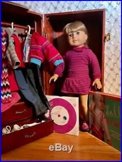 American Girl of Today, Retired, with Trunk + Outfits