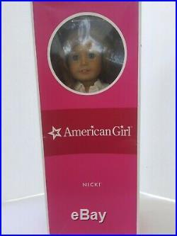American Girl of Year DOLL NICKI Nikki OUTFIT Brown Hair Blue Eyes BOX Retired