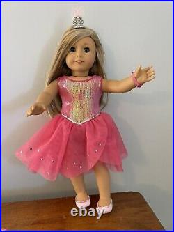 Isabelle Palmer RETIRED American Girl Doll of the Year 2014 and 3 Bonus Outfits