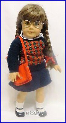PRE-MATTEL 18 American Girl MOLLY McINTIRE Doll withMEET OUTFIT, ACCESSORIES