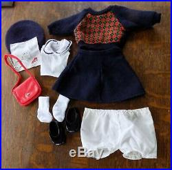 Pleasant Company American Girl Molly Doll in Meet Outfit + Accessories w Box