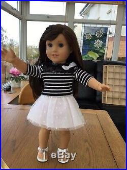 Popular American Girl Doll Grace In Sightseeing Outfit Mint