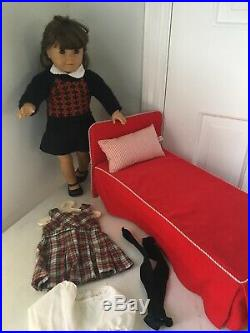 RARE SET ORIGINAL MOLLY Vintage American Girl Doll, Bed & Two Outfits